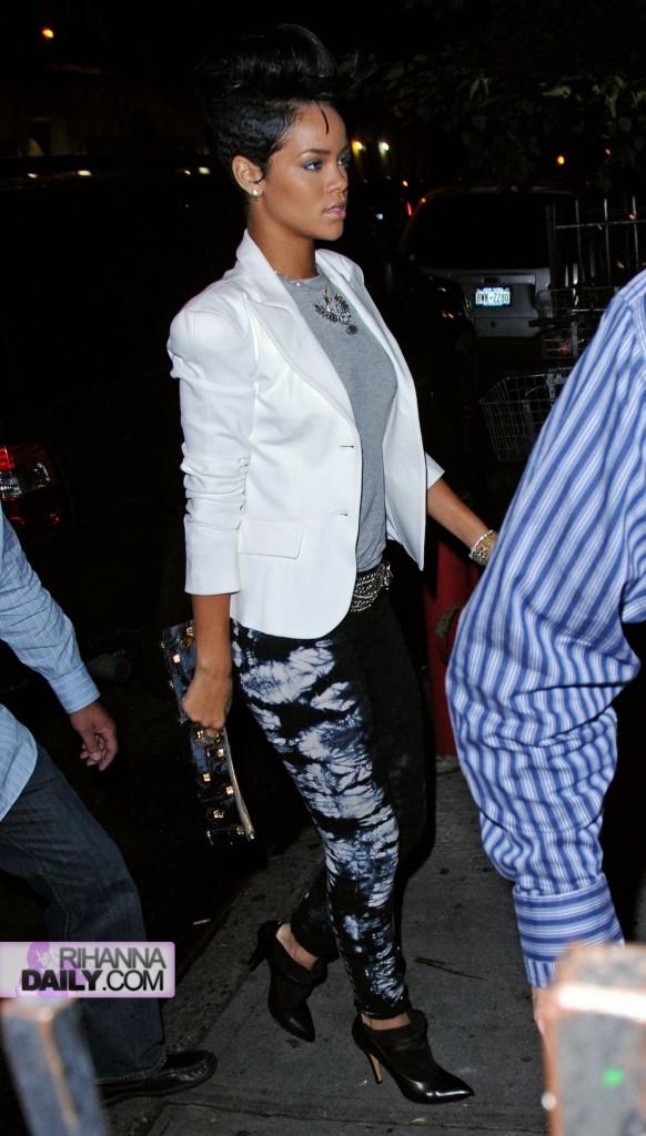 Rihanna NY June 13 b