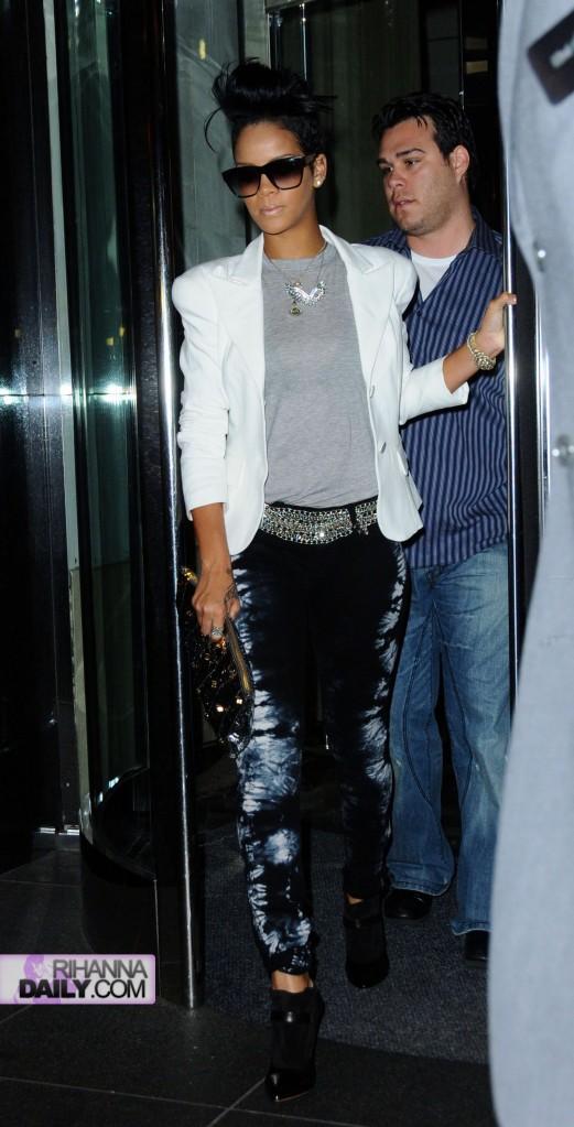 Rihanna NY June 13 d