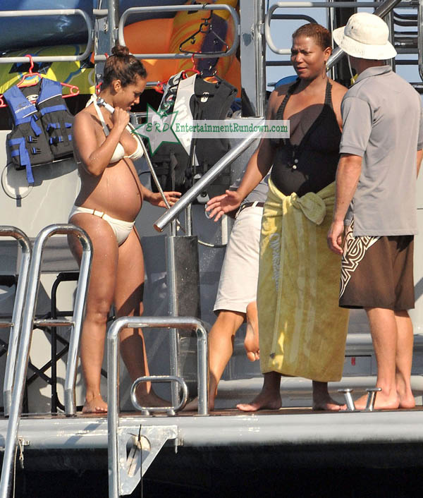 Queen Latifah & Girlfriend Get Cuddly Cruising With Alicia Keys ... Queen Latifah And Alicia Keys