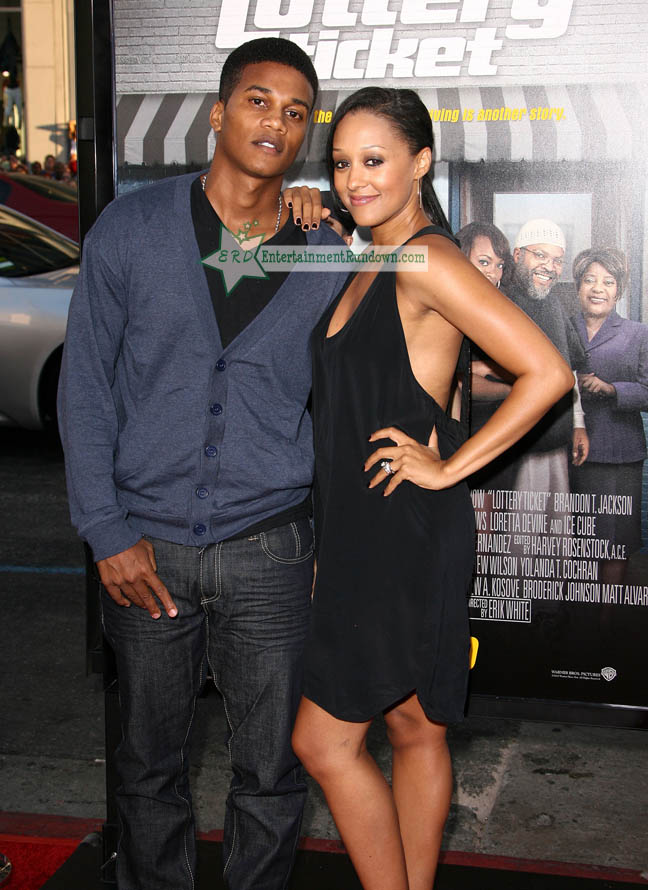 tia mowry and husband cory hardrict. Tia Mowry-Hardrict and husband
