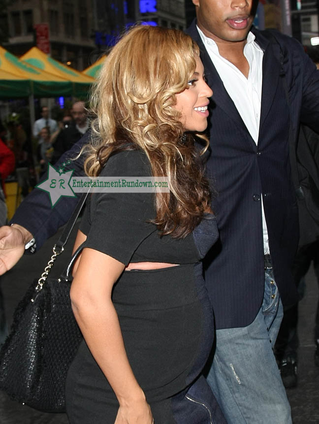 Pin Beyonces Baby Bump Lady Gagas Jo Calderone Rule 2011 Vmas Picture