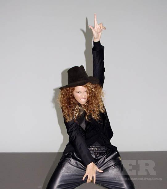 Beyonce Channels Michael Jackson 2