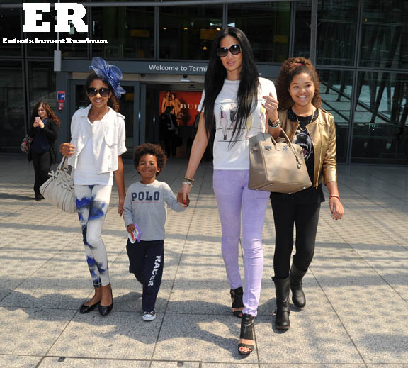 Kimora Lee Simmons Lands In London With Her Kids