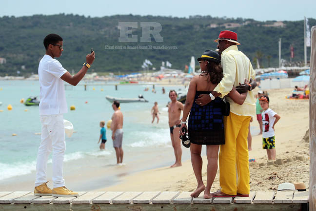 Steve Harvey Vacations With Family in Saint Tropez