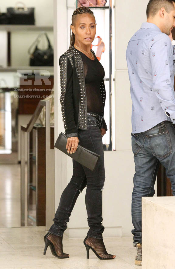 Jada Pinkett Smith Shopping In Beverly Hills