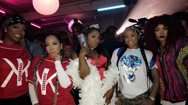 lil wayne and toya wright throw reginae a 90s party
